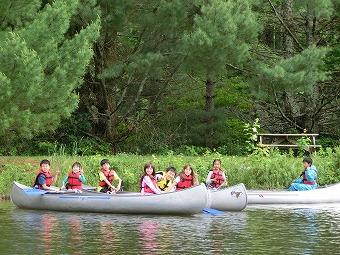 4・5年生フロストバレーでの宿泊学習「カヌー体験」