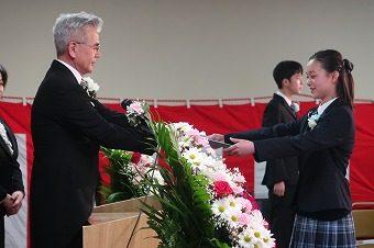 3月12日卒業式を行いました。